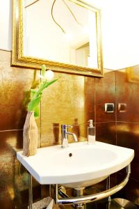 Petite Suite, Apartments  Bergamo - big - 40