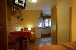 Penzion a drevenica pri Hati, Guest houses  Terchová - big - 4