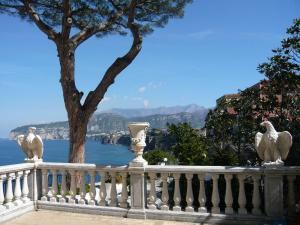 Villa La Terrazza, Apartmanok  Sorrento - big - 26