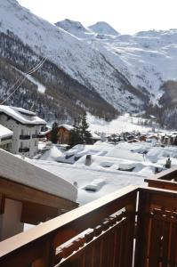Apartmenthaus Holiday, Apartments  Saas-Fee - big - 9
