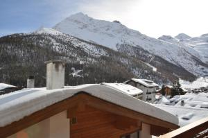 Apartmenthaus Holiday, Apartmány  Saas-Fee - big - 7
