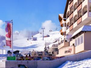 Alpen-Herz Romantik & Spa - Adults Only, Szállodák  Ladis - big - 95