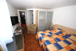 Hotel Le Relais des Champs, Hotels  Eugénie-les-Bains - big - 2