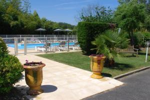 Hotel Le Relais des Champs, Отели  Eugénie-les-Bains - big - 13