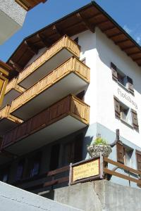 Apartmenthaus Holiday, Apartments  Saas-Fee - big - 5
