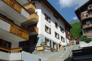 Apartmenthaus Holiday, Apartmány  Saas-Fee - big - 1