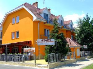 Start Panzió-Étterem, Vendégházak  Hajdúszoboszló - big - 1
