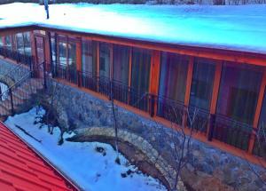 9 Suites ApartHotel, Aparthotels  Braşov - big - 36