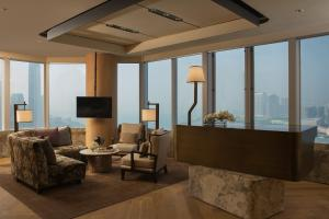 Club Queen or Twin Room with Garden View and Club Lounge Access