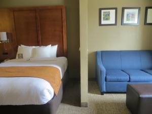 Queen Suite with Two Queen Beds Upper Floor - Non-Smoking