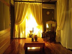 Milk-ya Women-Only Guest House, Гостевые дома  Yomitan - big - 4