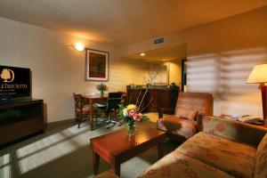 DoubleTree Suites by Hilton Tucson Airport, Hotels  Tucson - big - 8