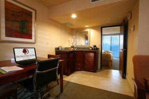 DoubleTree Suites by Hilton Tucson Airport, Hotels  Tucson - big - 6