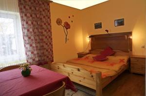 Penzion a drevenica pri Hati, Guest houses  Terchová - big - 3