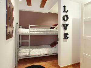 Two-Bedroom Apartment Tallers