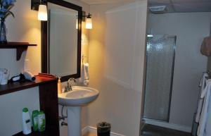 Habitación Doble con baño privado - Sótano