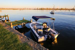 DC on the Lake, Holiday parks  Mulwala - big - 108