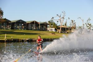 DC on the Lake, Holiday parks  Mulwala - big - 102