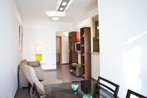Three-Bedroom Apartment - Ausiàs March, 143