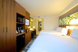 Hilton Garden Inn Central Park South, Hotely  New York - big - 31