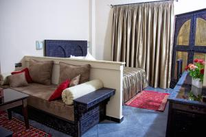 Hotel Azoul, Szállodák  Ouarzazate - big - 36