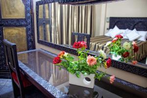 Hotel Azoul, Szállodák  Ouarzazate - big - 38