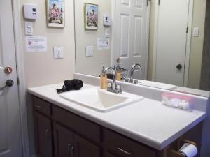 ダブルルーム 共用バスルーム ガーデンビュー
