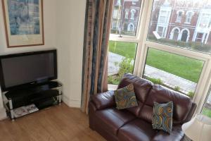 Hurst Dene Hotel, Bed & Breakfasts  Swansea - big - 16