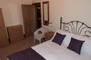 Hurst Dene Hotel, Bed & Breakfasts  Swansea - big - 4
