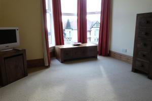 Hurst Dene Hotel, Bed & Breakfasts  Swansea - big - 28