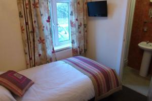Hurst Dene Hotel, Bed & Breakfasts  Swansea - big - 8