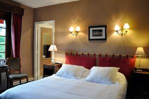 Hostellerie de la Vieille Ferme, Отели  Криэль-сюр-Мер - big - 30