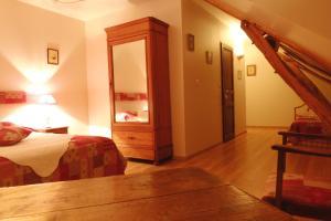 Ferme de Marpalu, Bed & Breakfast  La Ferté-Saint-Cyr - big - 12