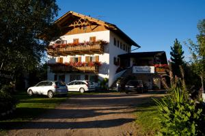Pension Villa Mahlknecht, Affittacamere  Eggen - big - 1