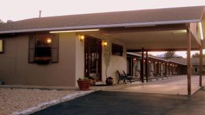 Sunset Inn and Suites, Motelek  Fredericksburg - big - 11