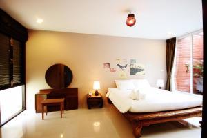 Feung Nakorn Balcony Rooms and Cafe, Hotels  Bangkok - big - 33
