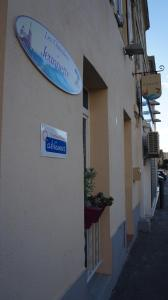 Les Chambres de Jeannette, Bed and Breakfasts  Marseille - big - 72