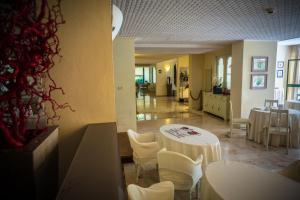 Hotel Michelangelo, Szállodák  Milano Marittima - big - 39