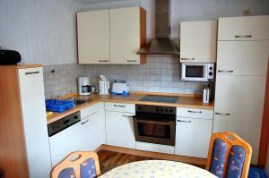 Ferienwohnung Bäumner, Апартаменты  Bad Berleburg - big - 8