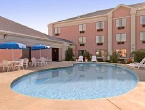 Days Inn and Suites Poteau