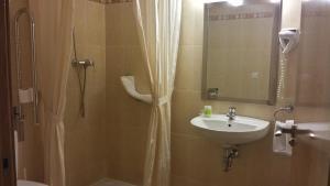 Hotel Goartín, Отели  Малага - big - 12