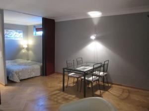 Liège flats, Apartments  Liège - big - 123