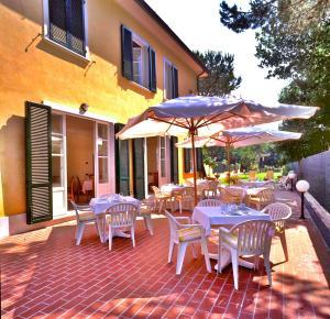 Hotel Villa Fiorisella, Szállodák  Marina di Massa - big - 24