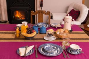 Gorteen Farmhouse Bed and Breakfast, Bed and breakfasts  Tulla - big - 20
