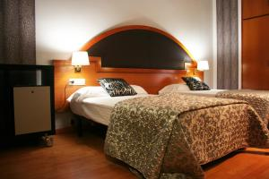 Hotel Don Jaime 54, Hotely  Zaragoza - big - 20
