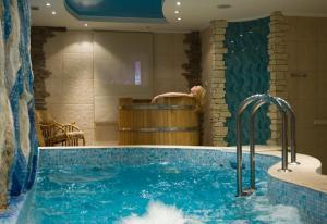 Yar Hotel & SPA, Hotely  Chertovitsy - big - 57
