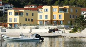 Beach Villas Slatine, Vily  Slatine - big - 14