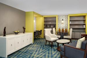 Club Queen Suite with Two Queen Beds