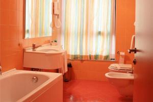 Hotel Matteotti, Hotels  Vercelli - big - 6