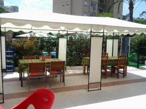 Apartamentos Ocaña, Apartments  Cala de Finestrat - big - 39